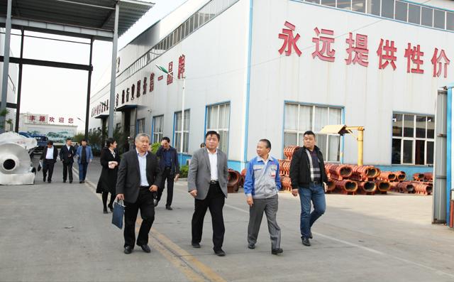 企业家们参观山东居邦源机械集团